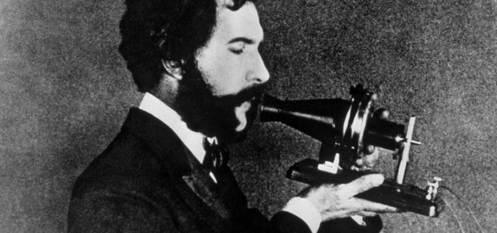 primer-telefono-1876