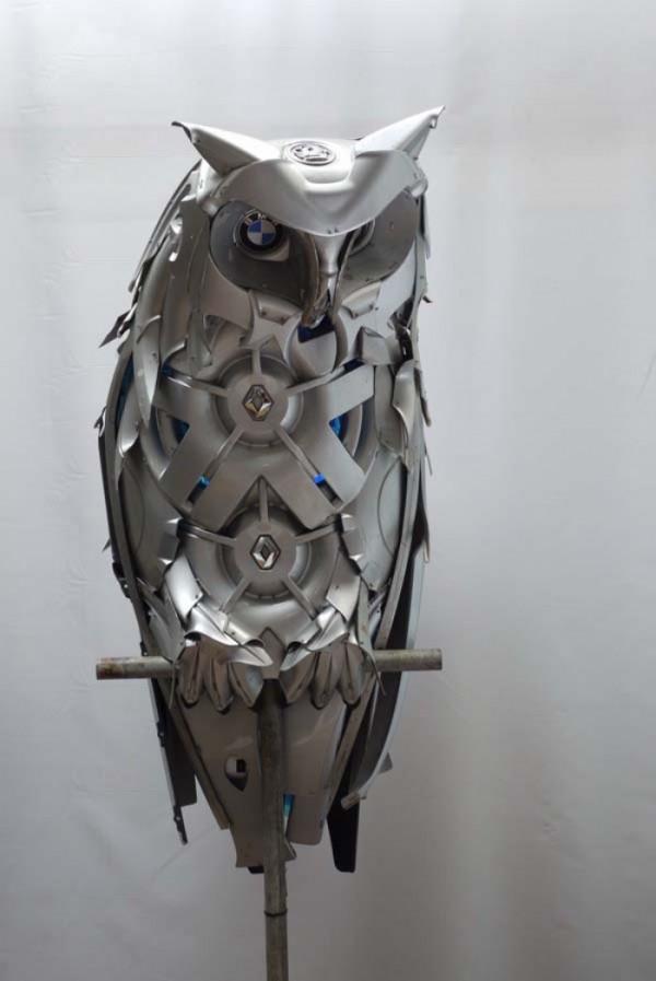 esculturas-con-tapacubos-00
