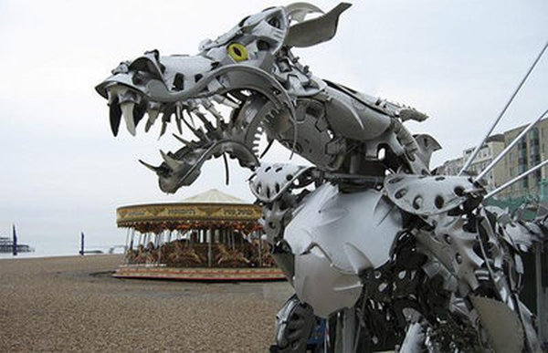 esculturas-con-tapacubos-09