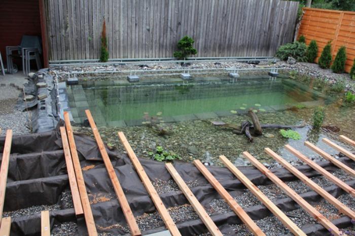 Un Genial Estanque Para Nadar En El Jardin De Casa Bastisimo - Jardin-con-estanque