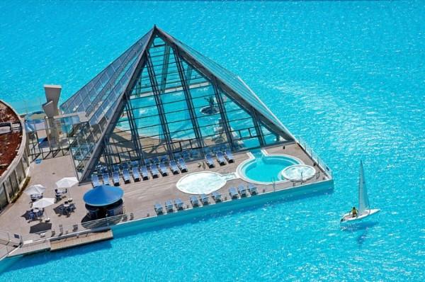 piscinas-exoticas-de-todo-el-mundo-06