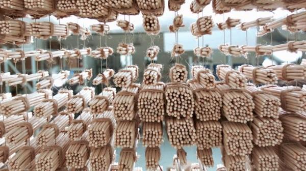 retrato-con-palillos-redhongyi-04