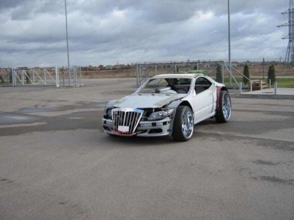 coche-deportivo-con-espuma-poliuretano-01