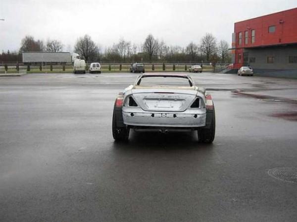 coche-deportivo-con-espuma-poliuretano-02