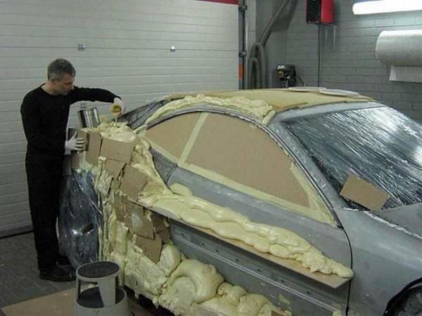 coche-deportivo-con-espuma-poliuretano-04