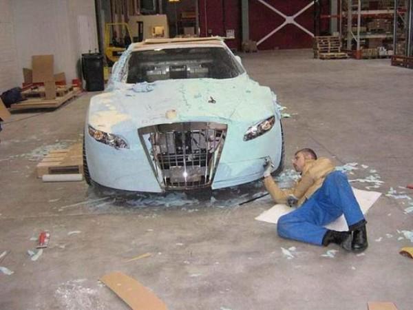 coche-deportivo-con-espuma-poliuretano-09