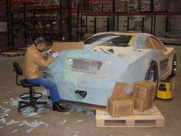 coche-deportivo-con-espuma-poliuretano-10