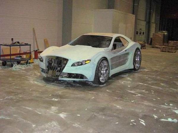coche-deportivo-con-espuma-poliuretano-11