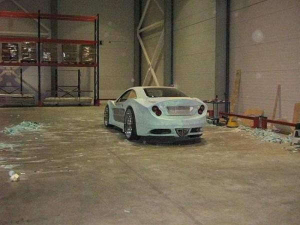 coche-deportivo-con-espuma-poliuretano-12