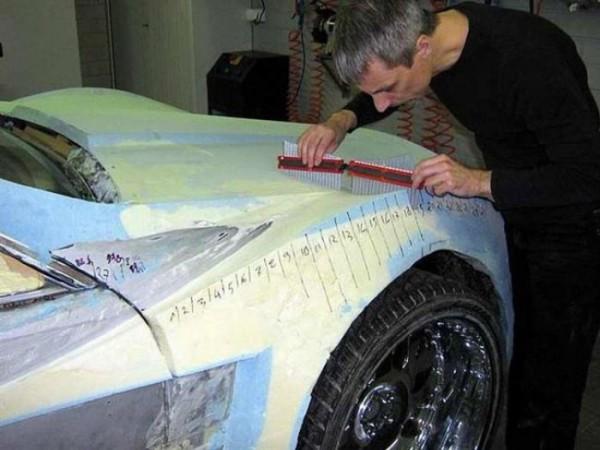 coche-deportivo-con-espuma-poliuretano-13