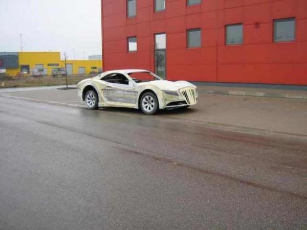 coche-deportivo-con-espuma-poliuretano-17
