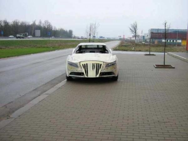 coche-deportivo-con-espuma-poliuretano-18