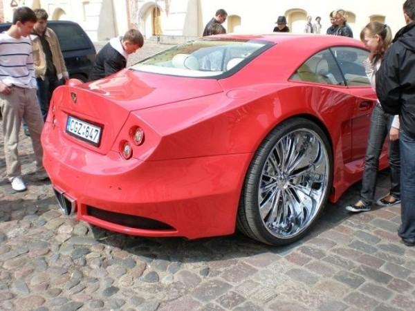 coche-deportivo-con-espuma-poliuretano-29