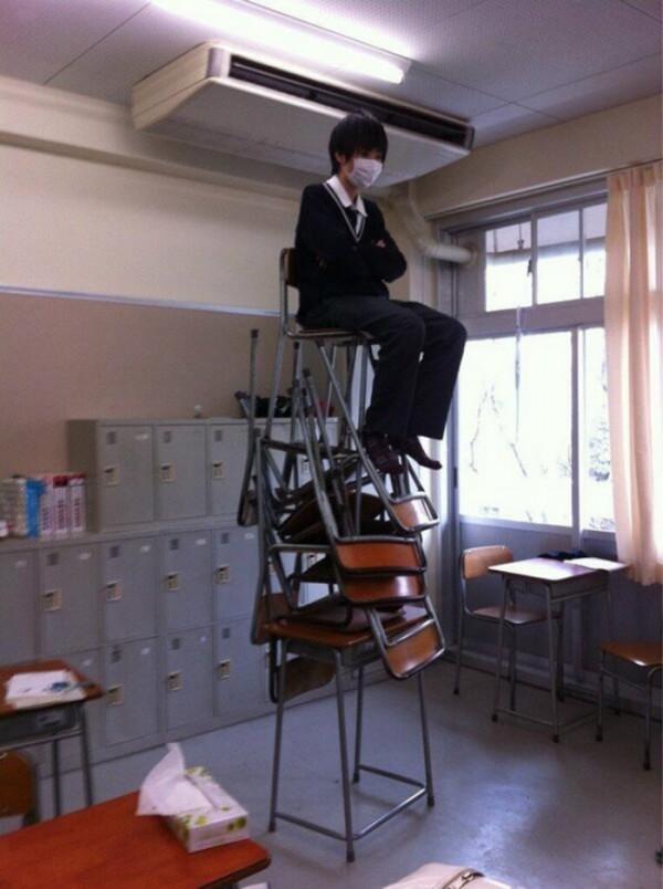 estudiantes-japoneses-divirtiendose-01