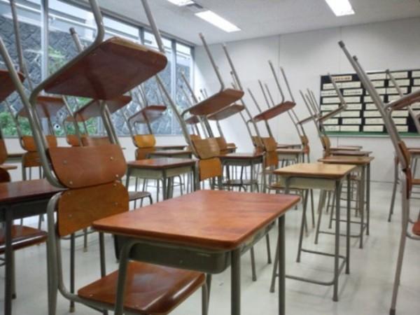 estudiantes-japoneses-divirtiendose-04