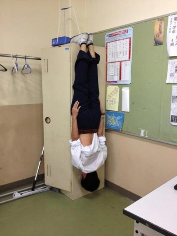 estudiantes-japoneses-divirtiendose-05