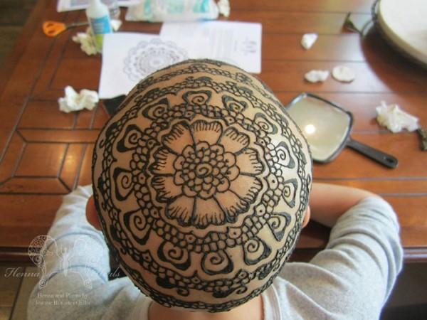 tatuajes-temporales-de-henna-para-pacientes-de-cancer-09