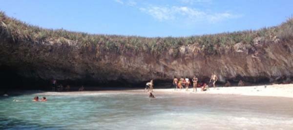 mexico-marietas-playa-del-amor-06